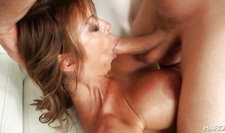 Aphrodisiac Alexis Fawx enjoys getting butt fucked by stranger who is more than happy to slam her