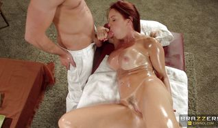 Pretty Janet Mason enjoys some fine anal banging from mate who just loves butt