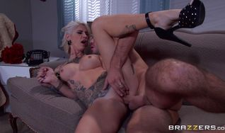 Enchanting blonde Kleio Valentien gets her ass ravaged by the horny lover